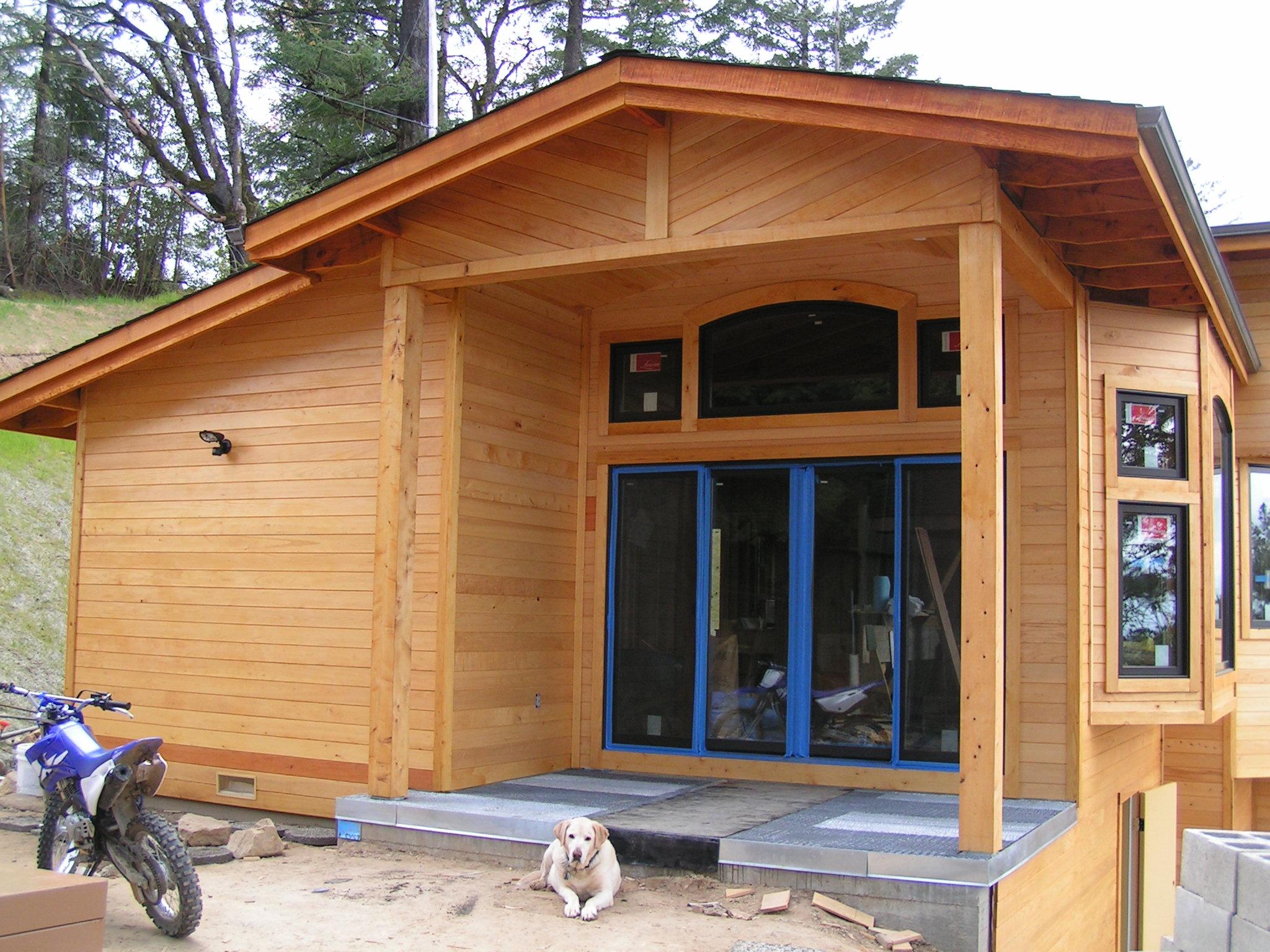 Bear creek lumber featured projects owens home for Cedar creek siding