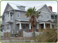 beach house in FL with sidewall shingles